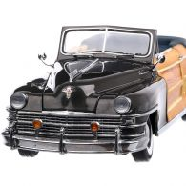 Chrysler Town & Country 1948, macheta auto, scara 1:18, gri cu maro, SunStar