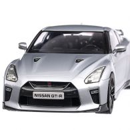 Nissan Skyline GT-R 2017, macheta auto scara 1:18, argintiu, Triple 9