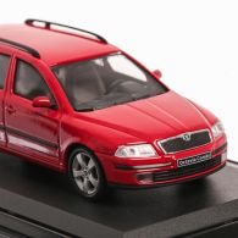 Skoda Octavia Combi 2004, macheta auto scara 1:43, rosu, vitrina plexic, Abrex
