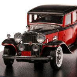 Stutz SV-16 Sedan 1933, macheta auto, scara 1:43, rosu cu negru, Neo