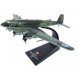 Focke-Wulf Fw 200 C-4 Condor Germany 1942, macheta avion scara 1:144, camuflaj verde, Atlas