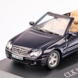 Mercedes-Benz CLK 350 CONVERETIBLE (A209) 2005, macheta auto scara 1:43, albastru inchis, carcasa plexic, Magazine models