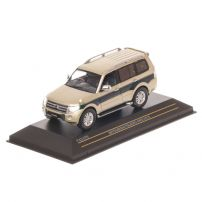 Mitsubishi Pajero 4WD 2010, macheta auto, scara 1:43, verde metalizat, window box, First 43 Models