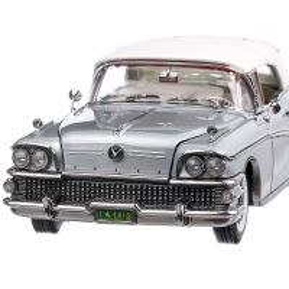Buick Limited Closed Convertible 1958, macheta auto, scara 1:18, argintiu, SunStar