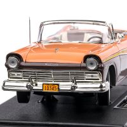 Ford Fairlane Skyliner 1957, macheta auto, scara 1:18, negru cu maro, SunStar