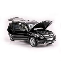 Mercedes Benz GLK - black - 2013 scara 1:18 GTA