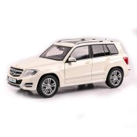 Mercedes Benz GLK - white - 2013 scara 1:18 GTA