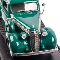 Studebaker Coupe Express PICKUP 1937, macheta auto scara 1:18, verde, window box, Lucky Die Cast
